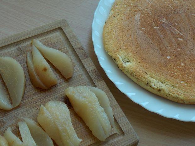Omlet z gruszkami i czekoladą