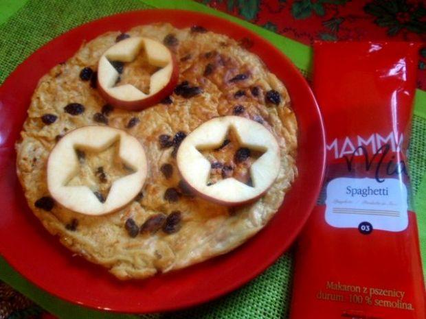 Omlet z jabłkiem i makaronem Mamma Mia