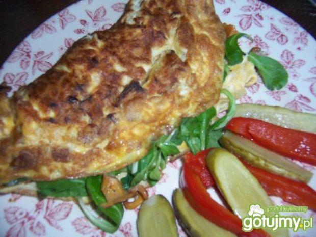 Omlet z kurkami i roszponką