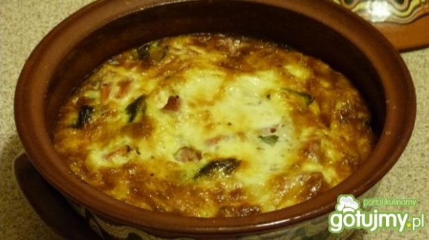 Omlet z pomidorami i mozarellą