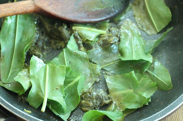 Omlet ze szczawiem i sałatą rzymską