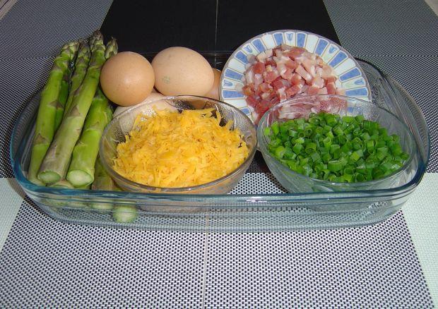 Omlet ze szparagami i boczkiem