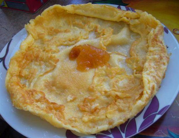 Omlet ziemniaczany z konfiturą morelową