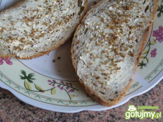 Opiekany chleb z przyprawą