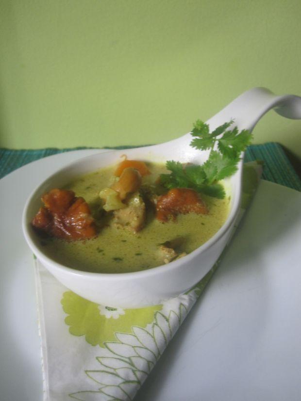 Orientalna zupa z kaczki z tamaryndowcem