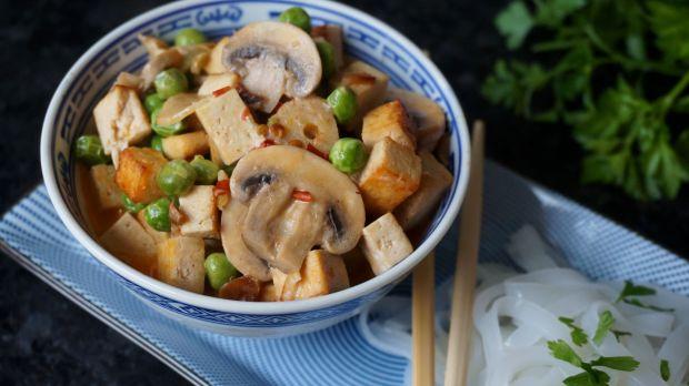 Orientalne tofu z warzywami