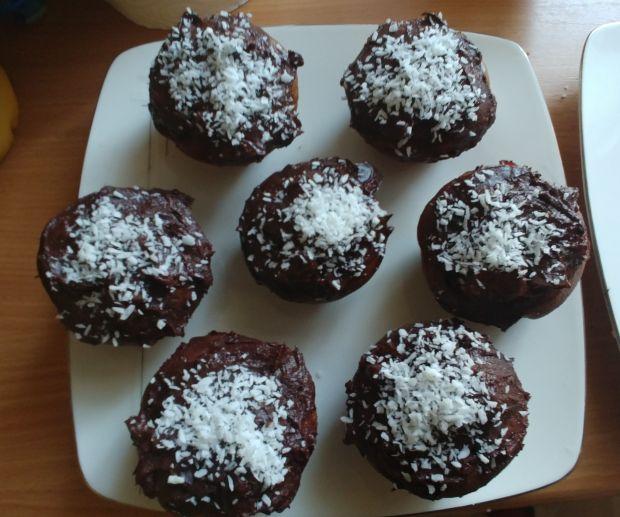 Orkiszowe muffinki ze śliwkami