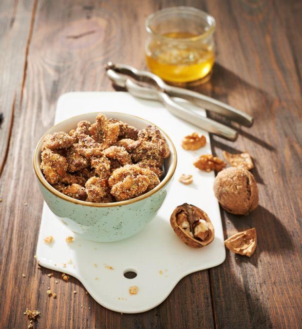 Orzechy prażone w miodzie i ciastkach maślanych
