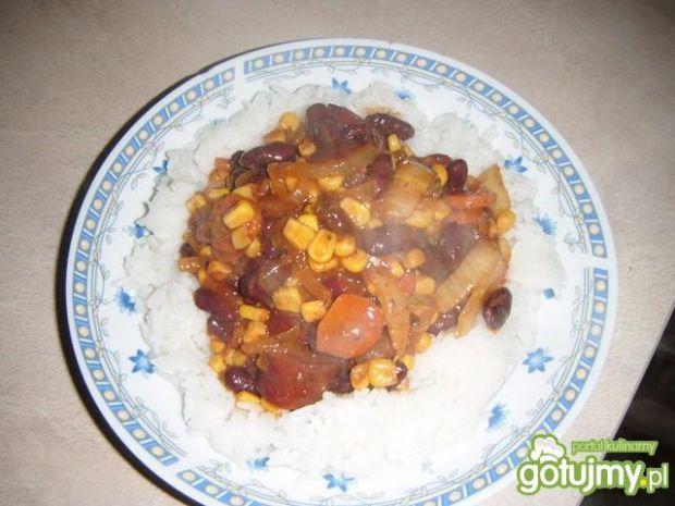 Ostry sos z czerwoną fasolą