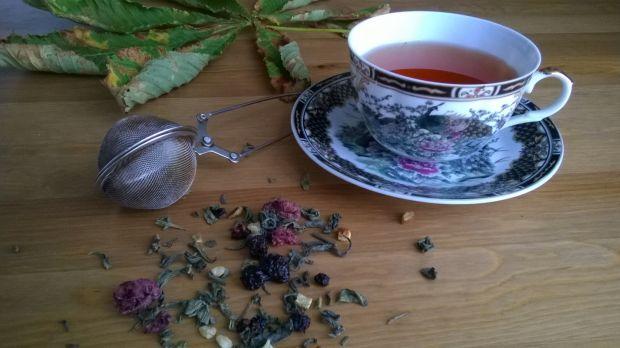 Owocowa herbata na pożegnanie lata