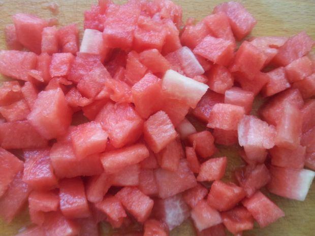 Owocowa sałatka w sosie własnym dla dwojga.