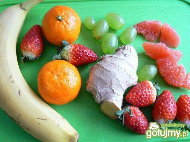 Owocowa sałatka z nutą imbiru