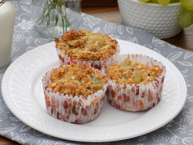 Owsiane muffinki z winogronem i czekoladą