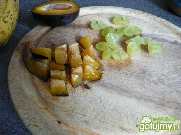 Owsianka ze śliwką i słonecznikiem