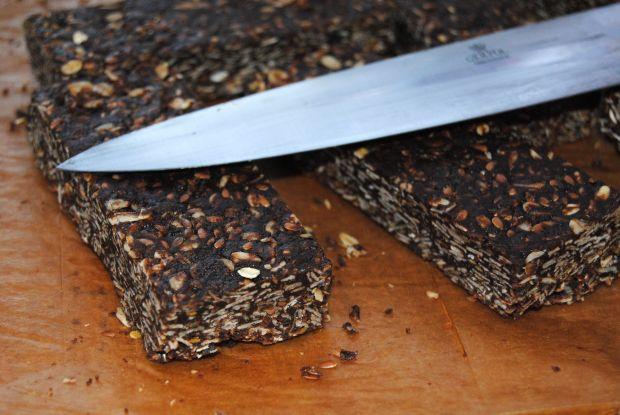 Owsiano- czekoladowe batony bez pieczenia