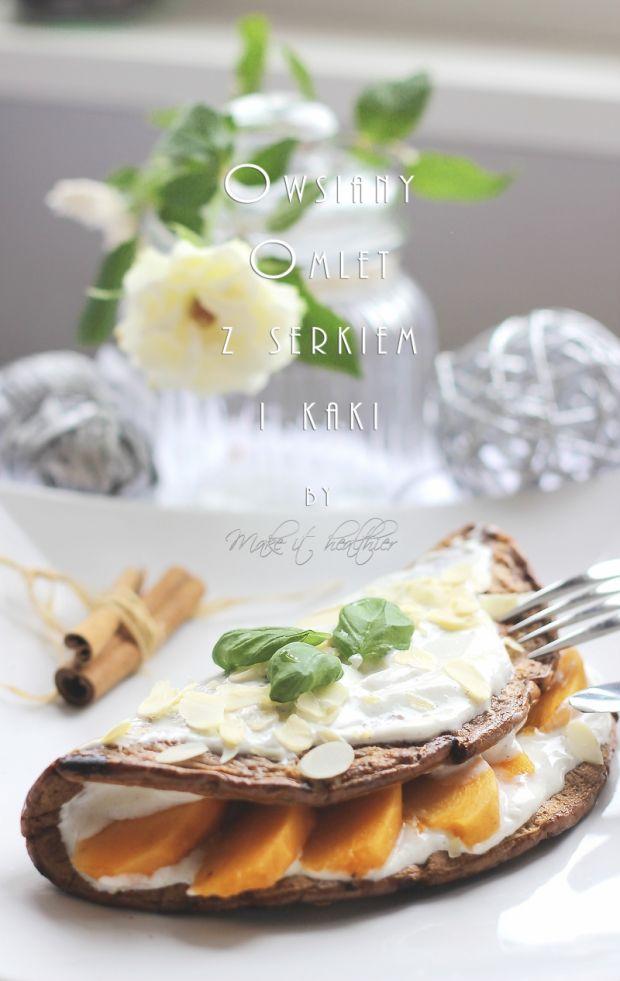 Owsiany omlet z serkiem i owocem kaki