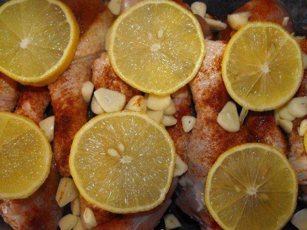Pałeczki z kurczaka: Z cytrynką i czosnk
