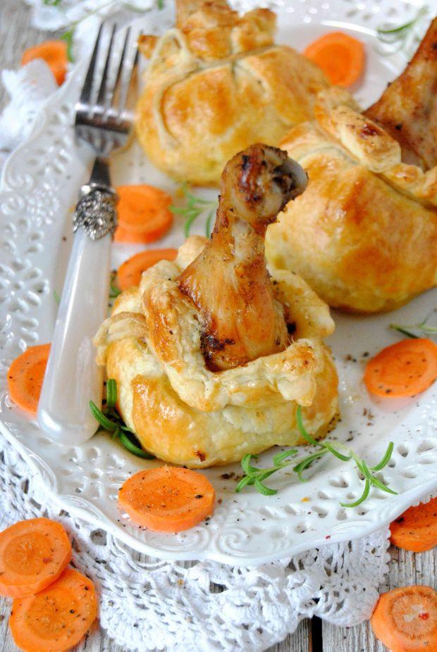 Pałki z kurczaka w cieście francuskim