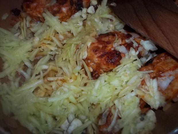 Pałki z kurczaka w cukiniowym sosie