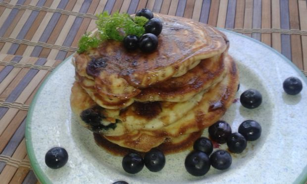 Pancakes w towarzystwie borówki amerykańskiej