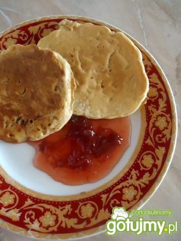 Pancakes z różaną konfiturą