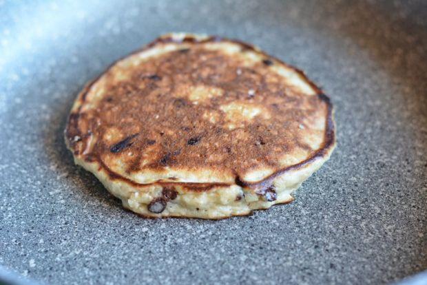 Pancakesy owsiano-bananowe z gorzką czekoladą