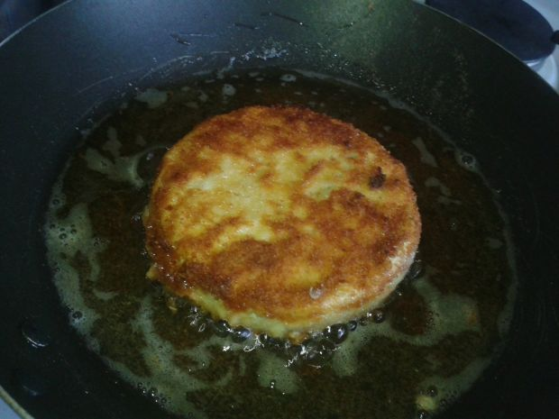 Panierowany camembert