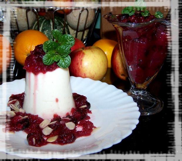 Panna cotta  jogurtowa z żurawiną