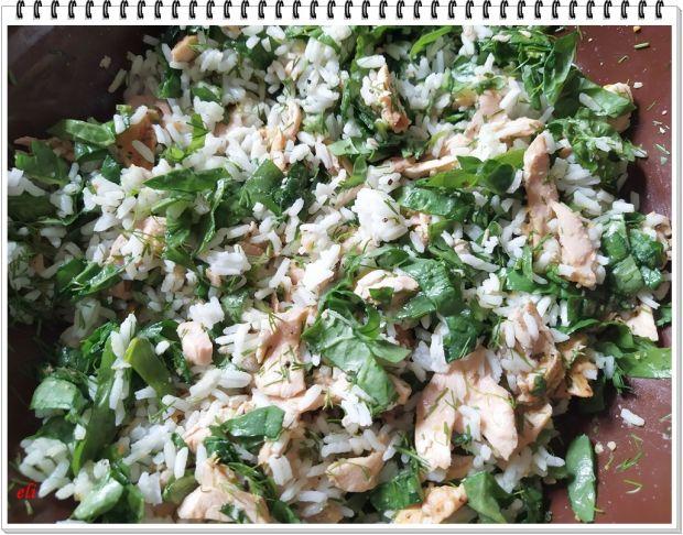 Papryka Eli z ryżem i pstrągiem łososiowym