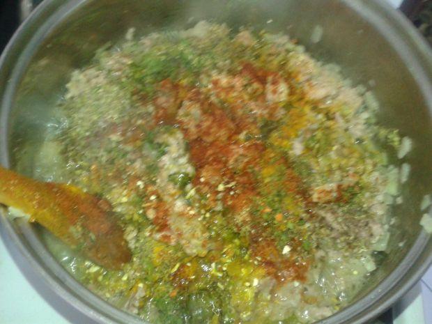 Papryka faszerowana farszem mięsno  - ryżowym