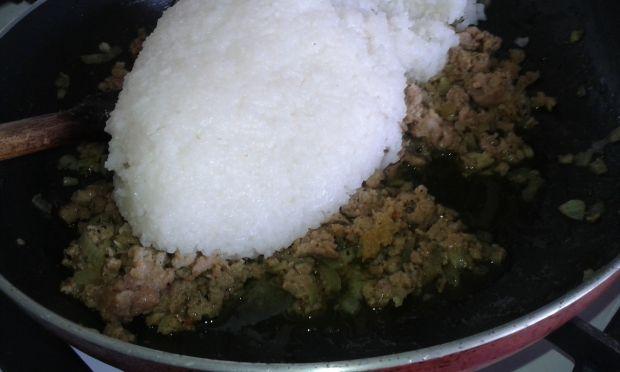 Papryka faszerowana mielonym mięsem i ryżem