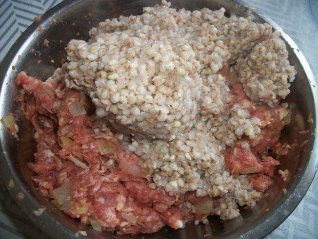 Papryka faszerowana mięsem i kaszą