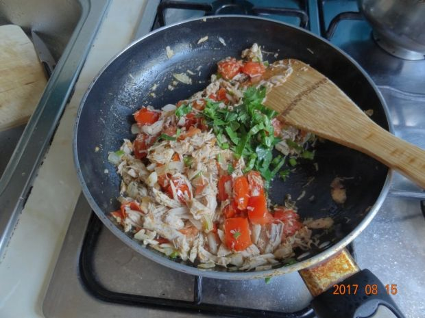 Papryka faszerowana mięsem z pomidorami