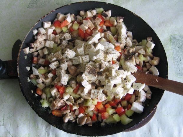 Papryka faszerowana pieczarkami i mozarellą