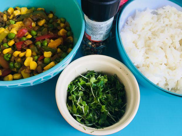 Papryka faszerowana ryżem - wegetariańska