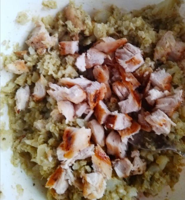 Papryka faszerowana ryżem z kalafiora