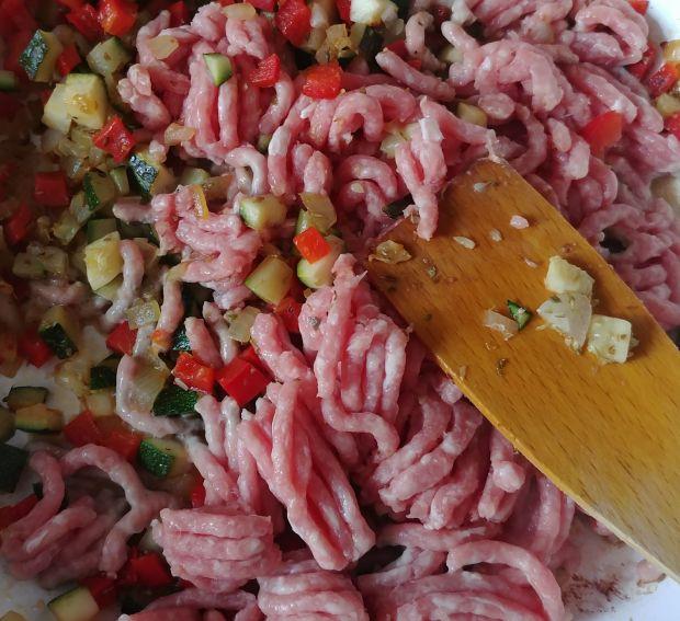 Papryka z farszem mięsno - warzywnym