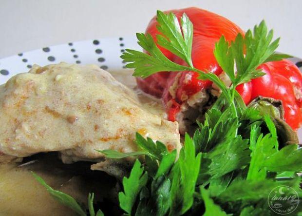 Papryka z kaszą i udko w jednym garnku