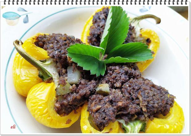 Papryka żółta Eli z kaszanką i ogórkiem kiszonym