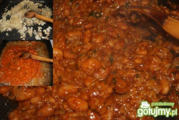 Papryki faszerowane ryżem z fasolą
