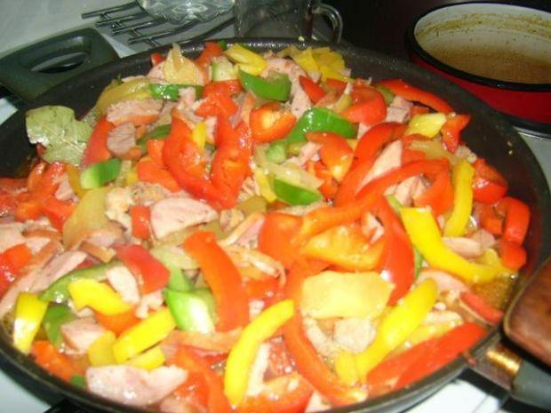 Paprykowa sałtka kolacyjna