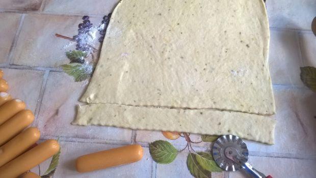 Paróweczki z serem w cieście drożdżowym