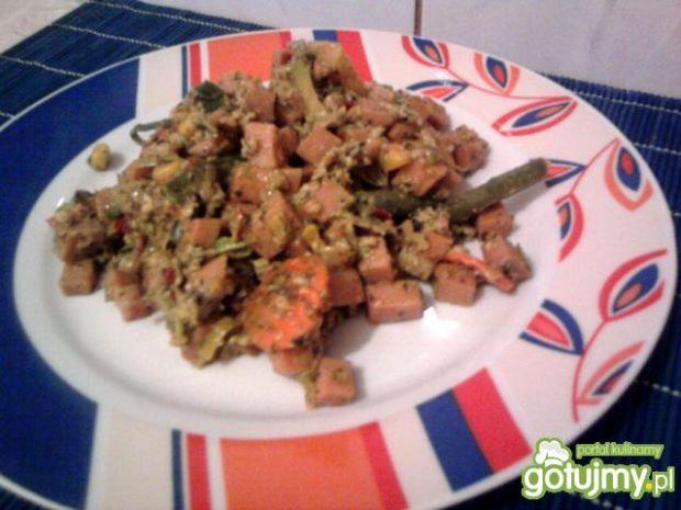 Parówki z warzywami na patelnie