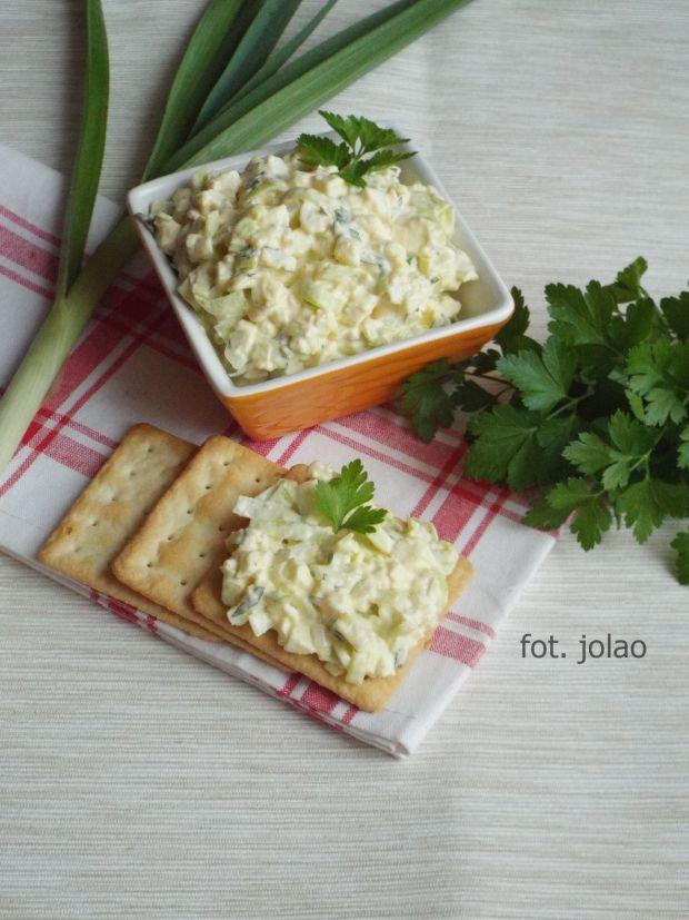 Pasta jajeczna z porem i natką pietruszki
