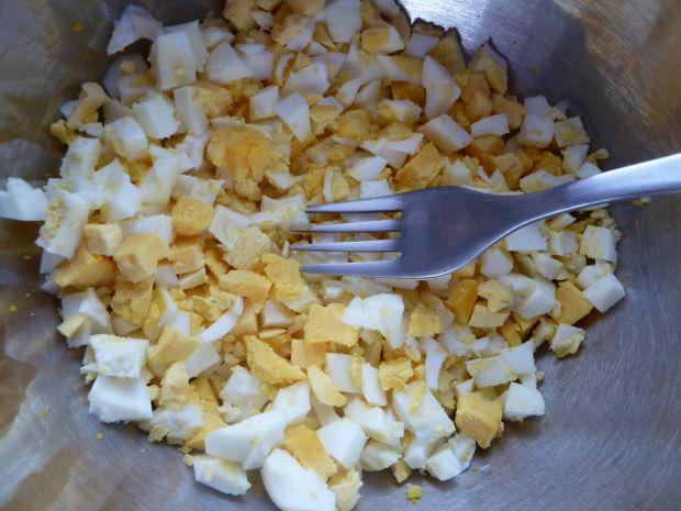 Pasta jajeczna z soczewicą, chrzanem i kiszonym