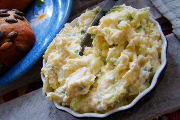 Pasta jajeczna z zielonym ogórkiem