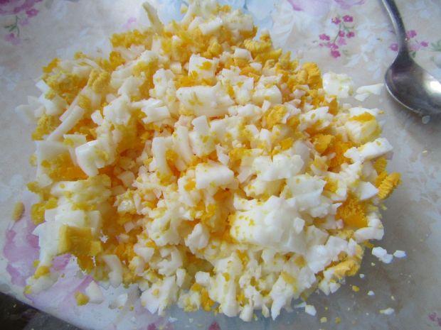 Pasta kanapkowa z jajkiem i buraczkami