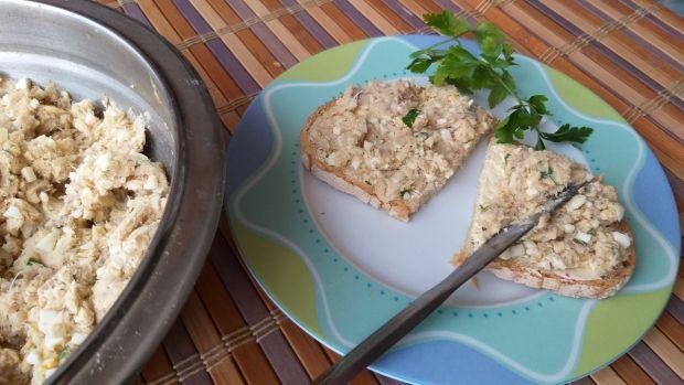 Pasta na chleb z wędzonej makreli i jajek