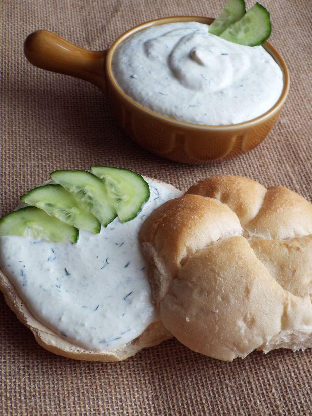 Pasta ogórkowo-koperkowa