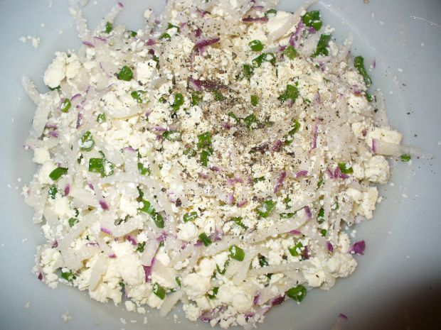 Pasta serowa z rzodkiewką i szczypiorkiem